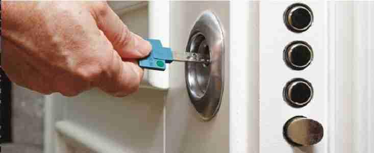 Locksmith and key