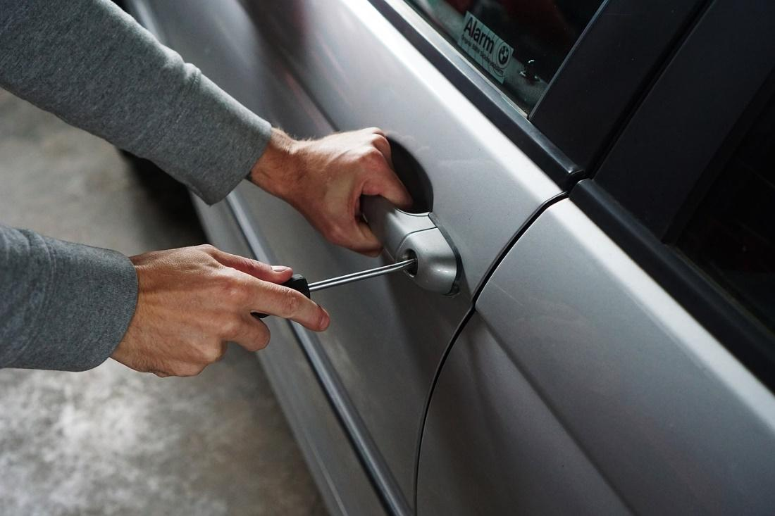 simple tips to guard your auto against thieves