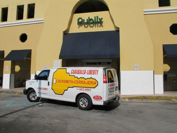 Locksmith Miami mobile van working with Publix supermarket