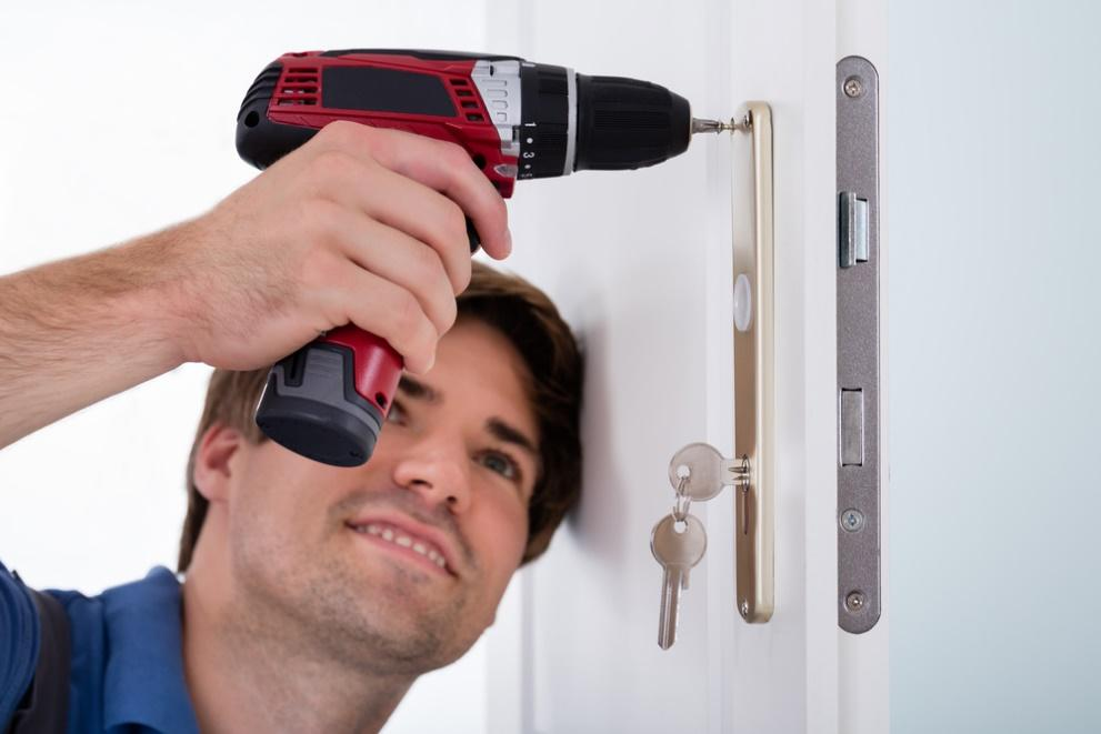 contract a specialized locksmith