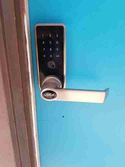 Electronic door locks installation in Miami Florida