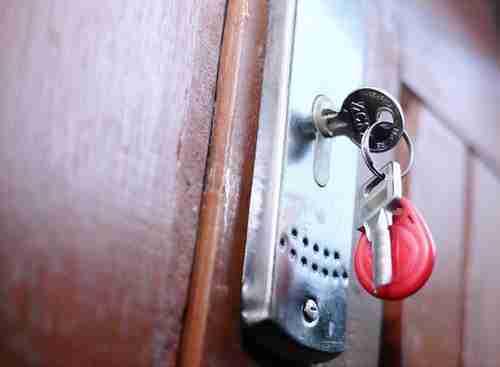 door lock and key problems