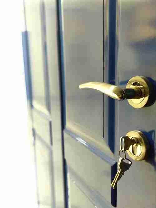 door lock replacement services