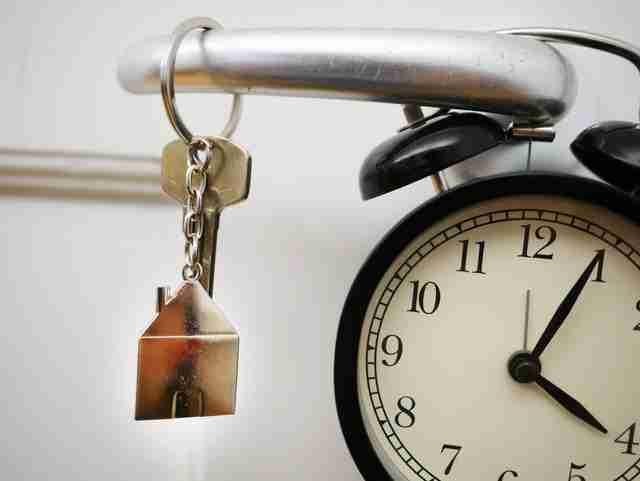 locksmith scammers huring professional locksmiths